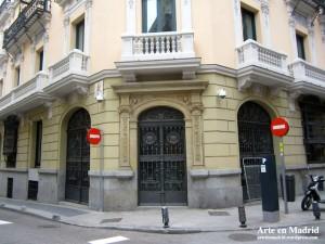 Calle Zorrilla c/v Marqués de Cubas 19.