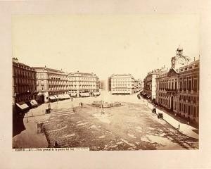 Vista general de la Puerta del Sol (1870) (Museo de Historia)